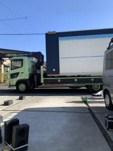 トラック 小屋積載